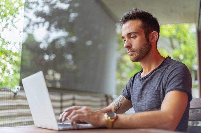 Hoe helpt een uitzendbureau jou aan nieuw werk?